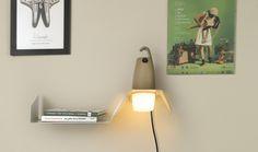 Decoración minimalista y moderna. Este accesorio permite usarse como estantería y aplique. HOOK