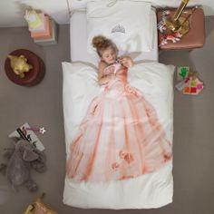 Eindelijk een dekbedovertrek waaraan de hele wereld kan zien dat je werkelijk een prachtige 'schone slaapster' prinses bent.