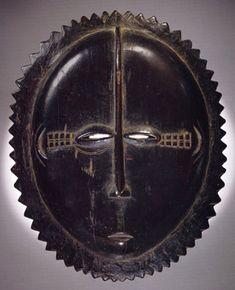 """Baule """"moon"""" mask"""