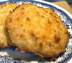 These chedder biscuits are great if you are missing sandwiches on a low carb diet.