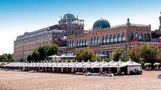 Lo stile Liberty al Lido di Venezia Churchill, Cannes, Taj Mahal, Dolores Park, Hotels, Doors, Building, Travel, Design