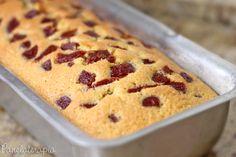<3<3<3Bolo de Milho(Milharia) com Goiabada  Dá um bolo pequeno na forma de bolo ingles~ PANELATERAPIA - Blog de Culinária, Gastronomia e Receitas