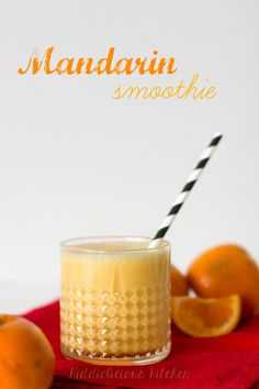 Mandarin smoothie for Chinese New Year. It's sweet, smooth and refreshing. And it's packed with vitamin C. #smoothie #vitaminC #breakfast #mandarins #familytreat #CNY2016