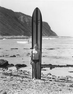 LeRoy Grannis, Palos Verdes Cove, around 1940 Vintage Surfboards, Woody Wagon, Surfer Magazine, Big Waves, Surfs Up, California, Old Photos, Surf Posters, Surfing