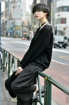 Harajuku Fashion, Japan Fashion, Pretty Boys, Cute Girls, Estilo Harajuku, Cute Korean Boys, Human Poses, Androgynous Fashion, Mode Outfits