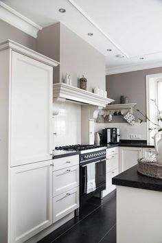Discover recipes, home ideas, style inspiration and other ideas to try. Scandinavian Home Interiors, Industrial Interiors, Rustic Kitchen, Kitchen Decor, Kitchen Trends, Home Kitchens, Kitchen Design, Kitchen Cabinets, New Homes