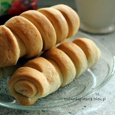 Delicious rolls with coconut cream (in Polish)