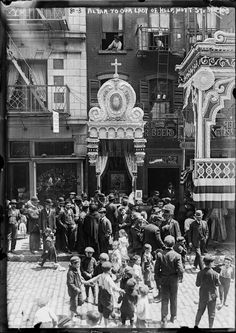 New York. An altar to Our Lady of Help, Mott St, May 16, 1908.