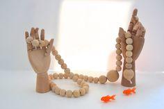 DIY : Une guirlande scandinave en perles de bois