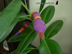 Wamba la Serpiente Amigurumi - Patrón Gratis en Español aquí: http://chinukidrakiluki.blogspot.com.es/2012/11/un-reptil-llamado-wamba.html