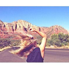 .@penny shima glanz shima glanz Douglas People | Here comes the SUN! Photo via @freepeoplefashionsquare #freepeople #hair #blonde