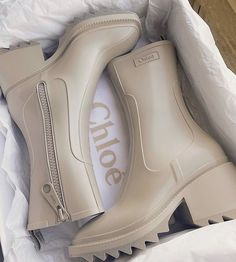 Sneakers Mode, Sneakers Fashion, Fashion Shoes, Shoe Boots, Shoes Heels, Shoe Bag, Boot Heels, Rain Shoes, Designer Shoes
