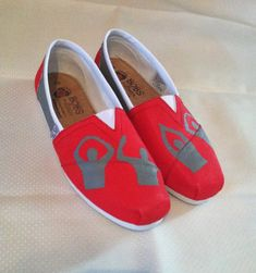 O-H-I-O State BOBs. $55.00, via Etsy. If I could find these in TOMS then I would be set!!!