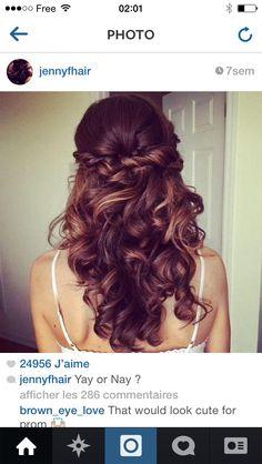 Boucles & cheveux rassemblés à l'arrière