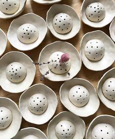 Fill bowl with water? Fill bowl with water? Hand Built Pottery, Slab Pottery, Pottery Vase, Ceramic Pottery, Ceramic Studio, Ceramic Clay, Ceramic Vase, Polymer Clay Crafts, Diy Clay