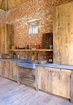 This is.a lot of brick and wood, its almost too rough cut but I think I really like it. Brick, Stone, Wood and Concrete: 15 Beautiful, Rustic Kitchens Rustic Modern, Rustic Wood, Rustic Farmhouse, Rustic Outdoor, Modern Industrial, Modern Classic, Outdoor Pallet, Rustic Feel, Rustic Decor