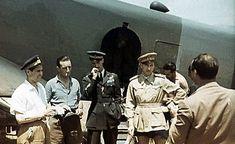 1942. Cimichi, in divisa scura, e Buscaglia.