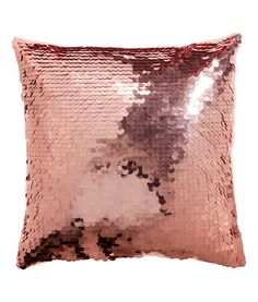 Rose Gold sequin cushions with satin back. Add instant interest and glamour to lounge areas and chill-out zones with these sequin cushions. Rose Gold Room Decor, Rose Gold Rooms, Rose Gold Bedroom Accessories, Sequin Cushion, Sequin Pillow, Diy Deco Rangement, Rose Gold Aesthetic, Deco Rose, Cute Room Decor
