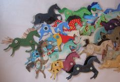 100 cardboard horses