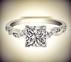 Square engagement ring - Wedding Inspirations