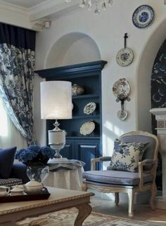 House Of Cards White House Bedroom Inspirational Classic Blue & White Living Room White House Bedroom, Home Bedroom, Blue Rooms, White Rooms, White Walls, Blue And White Living Room, Shabby, White Decor, Room Inspiration