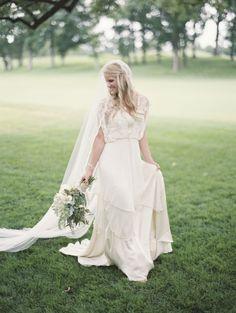 Photography: Lauren Balingit - laurenbalingit.com  Read More: http://www.stylemepretty.com/2014/09/30/bohemian-chic-chicago-wedding/