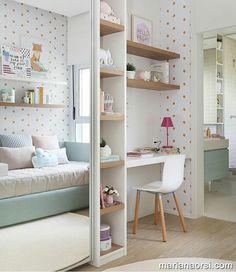 Quarto de menina l Destaque para o papel de parede de bolinha e toque verde água, que se conversou com o armario banheiro. Projeto @fernandamarquesarquiteta @marianaorsifotografia. . #bedroom #quartodemenina #kidsroom #instagirl #girls #interiordesign #decoration #bloggers #arquiteta #homedecor #photo #instahome #instalike #decorate #olioliteam #blogfabiarquiteta #fabiarquiteta