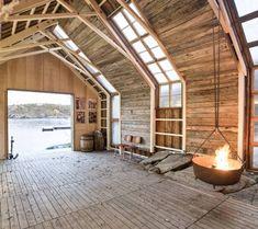 ÉPÍTÉSZ BELSŐÉPÍTÉSZ BLOG: The Beautiful Rustic Boat House in in Aure, Norway - Klasszikus Norvég csónakház átalakítása