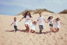 Beach photography. Family photography. Siblings. Cousins.