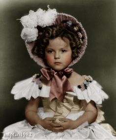 Child actress Shirley Temple, who passed away two weeks ago. The Little Colonel Child Actresses, Child Actors, Classic Movie Stars, Classic Movies, Vintage Hollywood, Classic Hollywood, Temple Movie, Shirly Temple, Baby Dolls