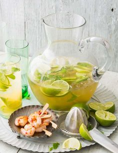 Ginger and whisky Mojito recipe - this whisky cocktail recipe makes a fantastic summery aperitif - if you're planning a BBQ, this is the drink for you. Fireball Drinks, Whiskey Cocktails, Cocktail Drinks, Cocktail Recipes, Drink Recipes, Alcoholic Drinks, Refreshing Cocktails, Summer Drinks, Fun Drinks