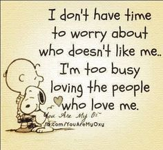 Article & Snoopy quotes that support the science of happiness This goes out to my best friends and family who are always there for me, no matter what. Great Quotes, Quotes To Live By, Inspirational Quotes, Motivational Quotes, Awesome Quotes, Wall Quotes, Quotes Quotes, Don't Like Me, Love You