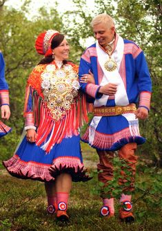 FolkCostume&Embroidery: Short Overview of Traditional Bridal Dress in Western Europe sweden eskimo Lappland, Traditional Wedding, Traditional Dresses, Folklore, Norwegian Wedding, White Gowns, Folk Costume, People Of The World, Colorful Fashion