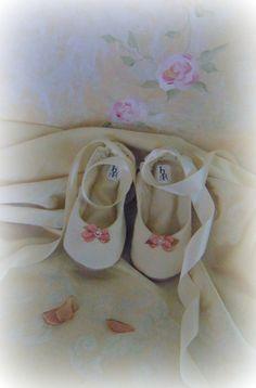 Flower Girl ShoeFlat Wedding Shoe Bridal Flat by HopefullyRomantic