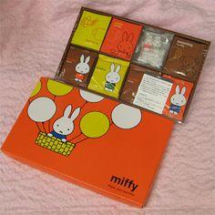 ミッフィー クッキー&紅茶セット ラージ [MFX-D]クッキー3種計12袋・紅茶3種計15袋・成型砂糖入り [miffy]【楽天市場】