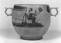 Warp weighted loom on a Boeotian skyphos, late 5th century BCE (Sackler Museum, Harvard University)