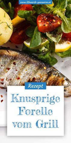 Fisch grillen sorgt für eine gesunde Abwechslung am Rost. Zum Grillen von Fisch eignen sich besonders fettreiche Sorten, da diese nicht so schnell trocken werden.