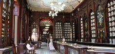 Farmacia y Museo Taquechel, encanto en La Habana Vieja - http://www.absolut-cuba.com/farmacia-y-museo-taquechel-encanto-en-la-habana-vieja/