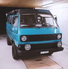 A Volkswagen Westfalia Vanagon ready to go. A Volkswagen Westfalia Vanagon ready to go. Auto Camping, Van Camping, Vw Bus T3, T3 Camper, Vw Syncro, Volkswagen Westfalia, Vw Wagon, Transporter T3, Kombi Home