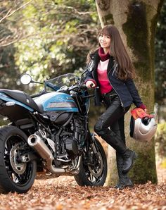 Girls Biker  #ガールズバイカー #ヘルメット #車・バイク #モーターサイクル #オートバイ #バイカー #女性ライダー #美女ライダー #女性バイカー #helmet #BikerGirl #亞洲女騎 #檔車女孩 #女騎士 #重機 #電單車 #모터사이클 #여성라이더 #รวมสาวขี่บิ๊กไบค์ Motorbike Girl, Motorcycle Bike, Motorcycle Girls, Lady Biker, Biker Girl, Bike Couple, Scooter Design, Custom Cafe Racer, Toyota