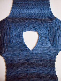 omⒶ KOPPA: V crocheted sweater