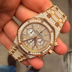 How about this diamond loaded #audemarspiguet for your collection? 305-377-3335 info@diamondclubmiami.com www.diamomdclubmiam.com #WatchoftheDay #DailyWatchs #WatchCollector #InstaWatch #LoveWatches #WristShot #LuxuryWatch #diamonds #ap #watchesofinstagram #dial #watches #sick #watchlover #audemarspiguet #watches #luxurylifestyle #luxury #luxurywatch #watch #beautiful #fashion #fashionbag #fashionblogger #diamonds #officialwatches #Miami @officialwatches