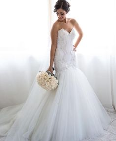 Beaded details and tulle�� Gown by @bizzaro_bridal_couture  #weddingdress #weddinggown #bridalgown #bridaldress #bride #bridetobe #bridaldesigner #couturebride #custommade #beautifulbride #strapless #gown #dreamdress #designer http://gelinshop.com/ipost/1523876702090424953/?code=BUl5clll_J5