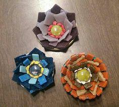 Mosaiquismo. Flores con venecitas por Anabel Caceres.