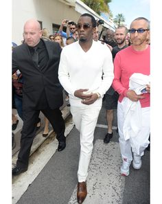 :) (not a diddy fan) but If you can pull this off, do so. All off white with great shoes.