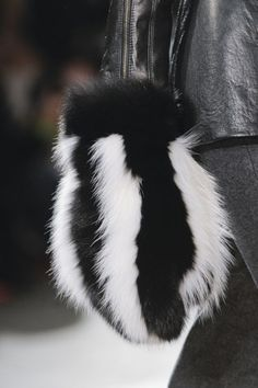 Fall 2013 Accessories Trends: Major Mittens