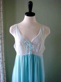 Vintage Nightie,  Lorraine Baby Blue and White Lace Full Length Nightgown Size M