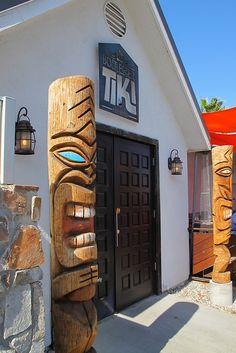 Bootlegger Tiki – A Rum-Soaked Oasis in Palm Springs Tiki Hawaii, Hawaiian Tiki, Tiki Pole, Tiki Restaurant, Tiki Statues, Tiki Bar Decor, Tiki Lounge, Tiki Mask, Tiki Party