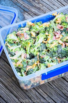 Easy Keto Broccoli Salad is a low carb cold salad full of bacon, cheese, and macadamia nuts and touch jalapeno and red bell pepper for a sweet heat touch. Low Carb Keto, Low Carb Recipes, Diet Recipes, Cooking Recipes, Heathy Food Recipes, Picnic Salad Recipes, Chicken Salad Recipes, Broccoli Recipes, Broccoli Salad With Cheese