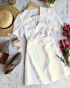 honey punch - short sleeve embroidered wrap dress - white